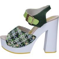 Chaussures Femme Sandales et Nu-pieds Suky Brand sandales vert textile cuir verni AC489 vert
