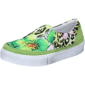 Chaussures Femme Slip ons Balada chaussures femme 2 STAR slip on vert textile daim BZ531 vert