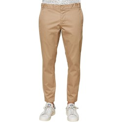 Vêtements Homme Chinos / Carrots Kiliwatch CHINO GUSTAVE SAFRAN