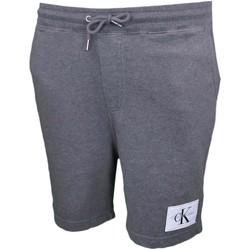 Vêtements Homme Shorts   Bermudas Calvin Klein Jeans Short molleton gris  pour homme Gris cf6cd9fb9d1