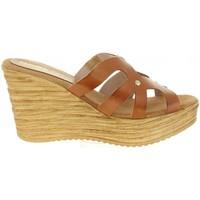 Chaussures Femme Sandales et Nu-pieds Cumbia 30986 Marr?n