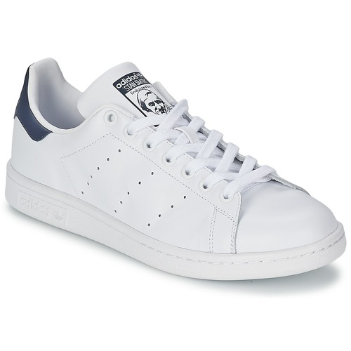 low priced 4ddc4 d7f1e Chaussures Baskets basses adidas Originals STAN SMITH Blanc   bleu