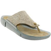 Chaussures Femme Sandales et Nu-pieds Clarks Tri carmen Beige cuir