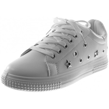 Chaussures Femme Baskets basses Bello Star Angkorly - Baskets Sporty chic - perforée etoile clouté Blanc