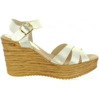 Chaussures Femme Sandales et Nu-pieds Cumbia 31001 Gold