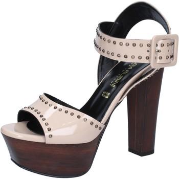 Chaussures Femme Sandales et Nu-pieds Olga Rubini sandales beige cuir verni clous BY316 beige