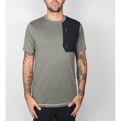 Vêtements Homme T-shirts manches courtes New Balance 247 Luxe Tee - Military Foliage Green 534