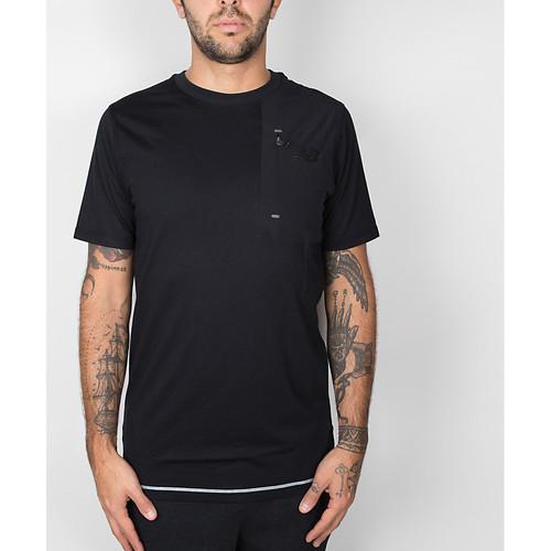 Vêtements Homme T-shirts manches courtes New Balance 247 Luxe Tee - Black Noir