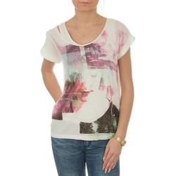 Vêtements Femme T-shirts manches courtes Lee T-shirt  Night Cloud Dancer L485AUHA biały