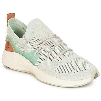 02a7a496374 Chaussures Femme Baskets basses Timberland FlyRoam Go Knit Chukka BLUE  FLOWER