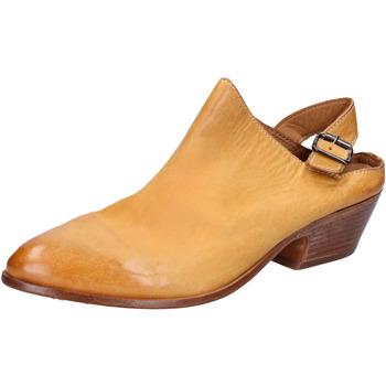 Chaussures Femme Sandales et Nu-pieds Moma sabot sandales jaune cuir BX975 jaune
