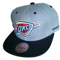 Accessoires textile Homme Casquettes Mitchell And Ness BACKBOARD Thunder 594