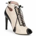Chaussures Femme Low boots Moschino MA1602A Beige